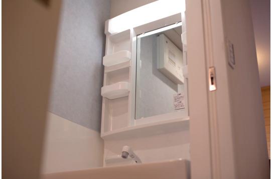 明るく綺麗な洗面台