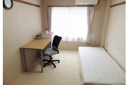家具もご用意。不要な時は担当スタッフまで。