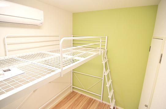 ロフトベッドタイプのお部屋もあります