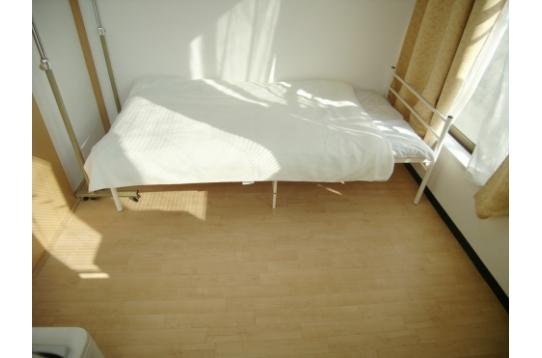 201号室です、東南角部屋、日当たりいいです