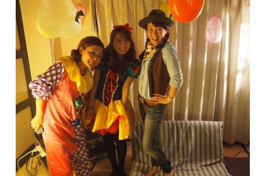 ハロウィンパーティーでは皆で仮装しました♪