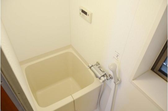 シャワー&浴槽付き!