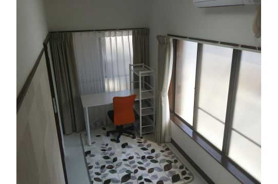 R4;2階角部屋 クローゼット、収納、エアコン完備