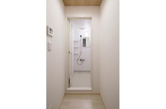 シャワールームは4室ございます