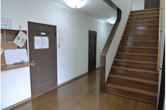 ●2階への階段