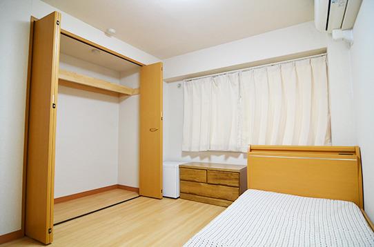 個室は広さ・収納力共に抜群。