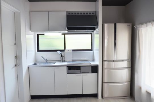 キッチンには大型冷蔵庫!