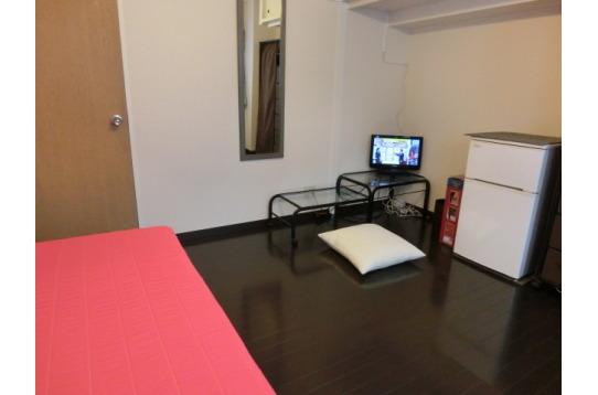 1号室 机と椅子もあります。