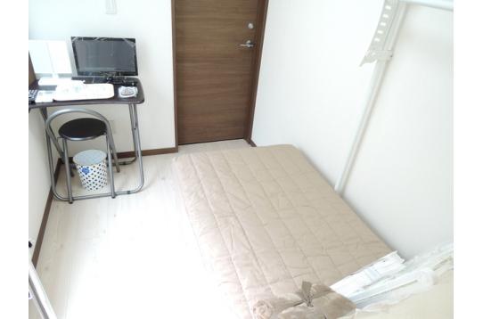 部屋は使い方次第で生活空間を創出できます。