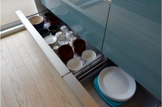 食器や調理器具も揃ってます。