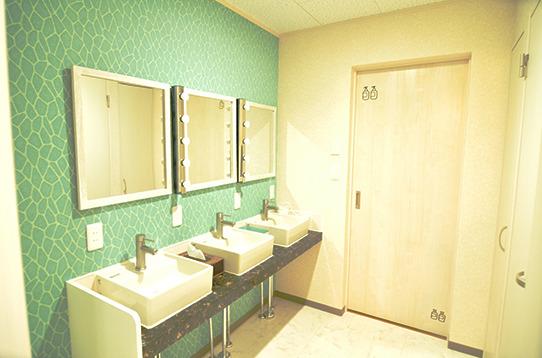 1階の洗面台は3つあります。いつも綺麗!