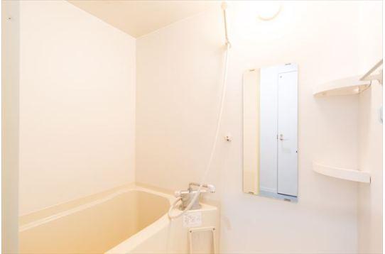 シェアハウスには珍しい浴槽付き