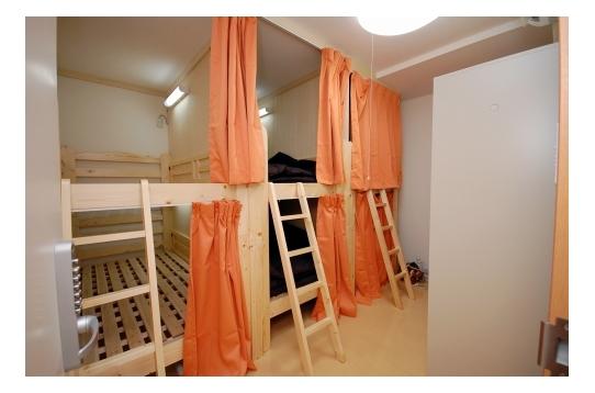 ドミトリーでは6人で部屋をシェアします。