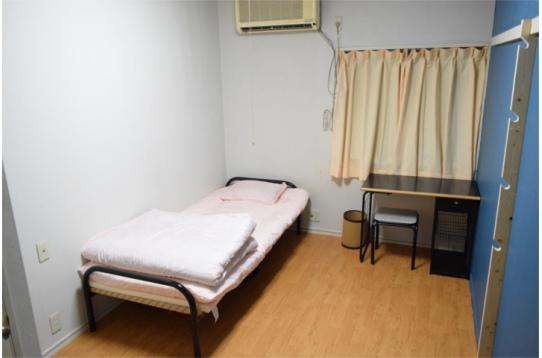室内(ベッド&エアコン)
