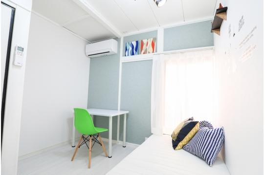 個室102