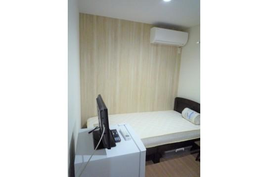 部屋1 テレビ、冷蔵庫、エアコン、電気ポット有☆