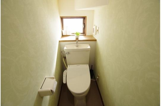 トイレは各階にあります
