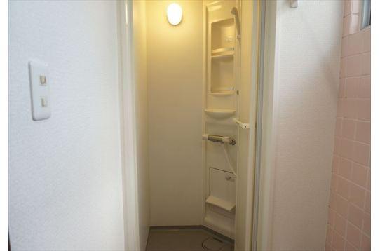 全シャワー室も改装済!