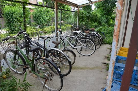 自転車小屋もございます。