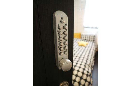 部屋にもきちんと鍵がかけられます