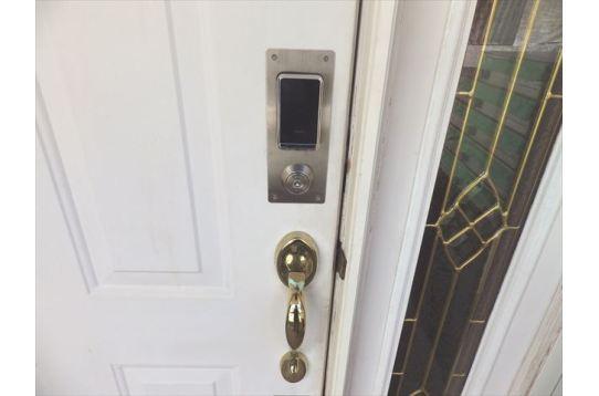 玄関はオートロック!