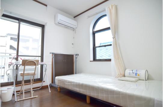 窓の多い個室です(301号室)