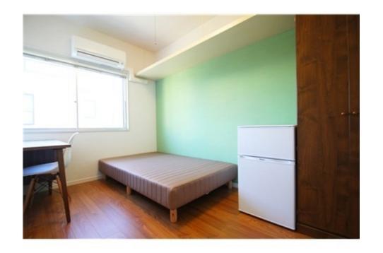 個室の様子です。ミントグリーンの壁♪