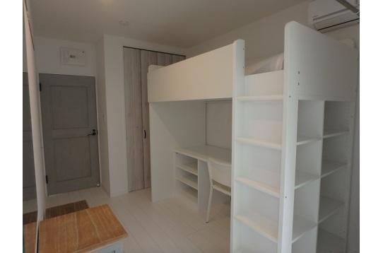 居室も白を基調にして仕上げてます。