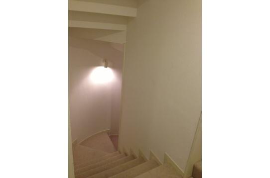 1Fから2Fへの階段です