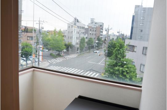 大きな窓で開放感たっぷり♪(502g号室)