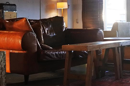 革張りのソファでゆったり