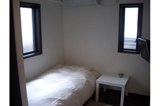 個室105号