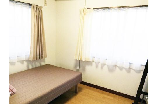 大きな窓、広い個室は魅力です★(303号室)