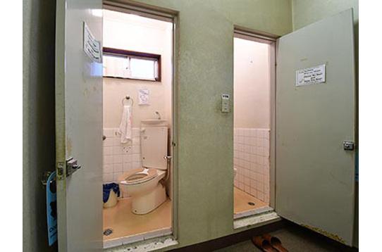 トイレが2室並んでいます