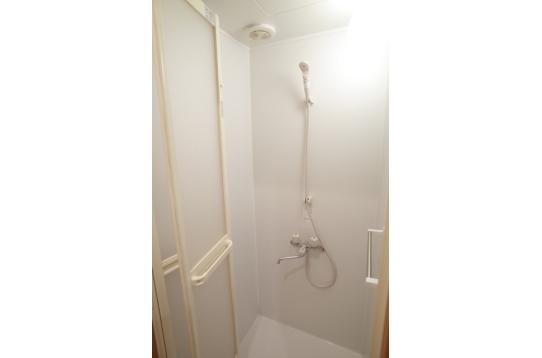 シャワールーム2つあります