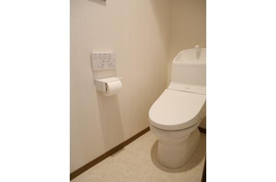 トイレは新品♪ウォシュレット