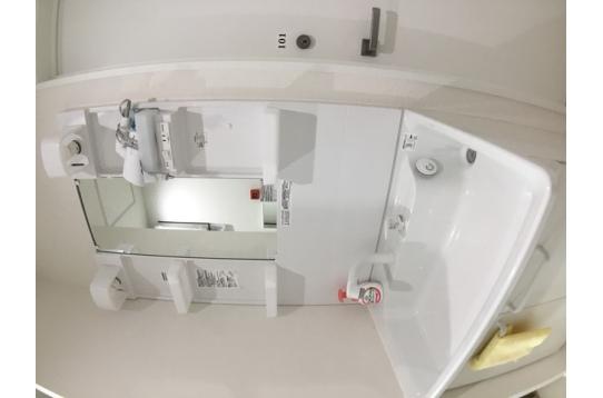 各階に明るく綺麗な洗面台♪