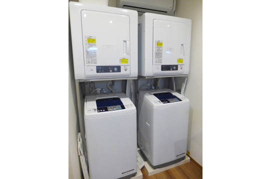 洗濯機と乾燥機も完備