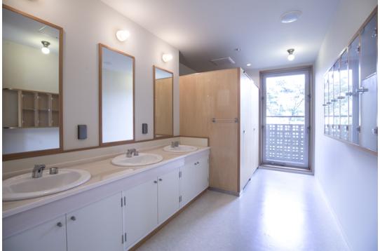 2.3階各フロアの洗面所&トイレ