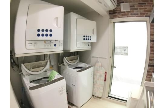 洗濯機、乾燥機が各2台ずつ各階に完備