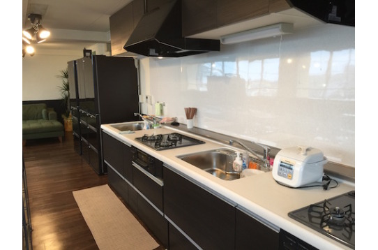 新設のキッチンも広々としています