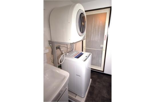 洗濯機、乾燥機です。