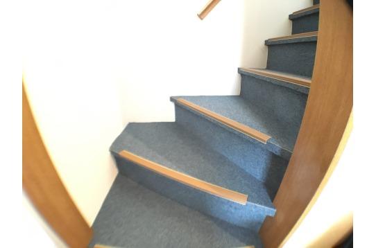 一階階段の様子
