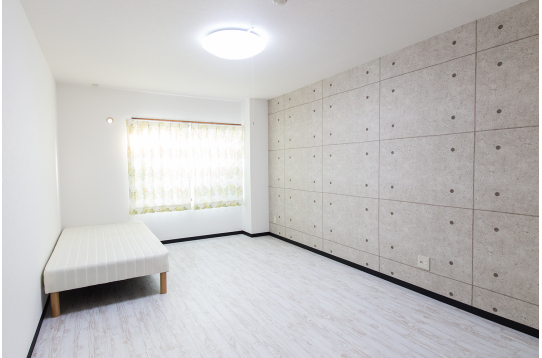 家具完備の個室でプライベートな時間も大切に出来ます