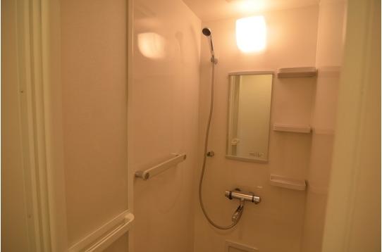 シャワーも合計5台!