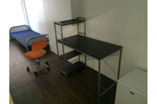 ベット、机、椅子、冷蔵庫は貸出可能です。