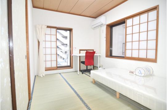 ホッと落ち着く和室です(201号室)