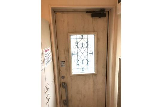 玄関内側になります。