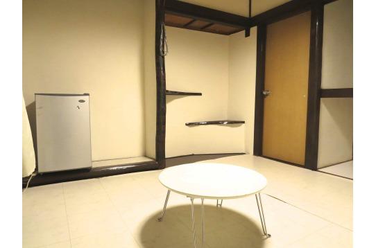 壁にペイント可のお部屋もあり。アーティスト大歓迎!