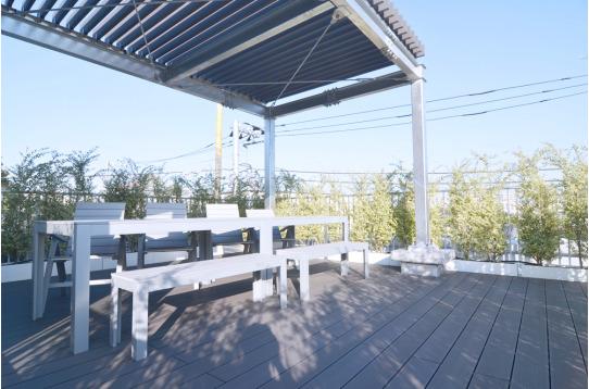 天気のいい日には屋上でまったり過ごすのもいいですね